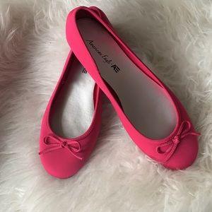 🆕 AE American Eagle Fuchsia Ballet Flats Shoes 8